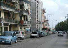 Negozio in Affitto a Pozzuoli
