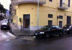 Negozio in Affitto a Sant'Anastasia - 190 m²