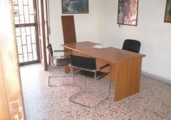 Ufficio in Affitto a Quarto