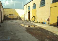 Capannone in Affitto a Napoli - 1000 m²