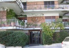 Appartamento in Affitto a Napoli - 100 m²