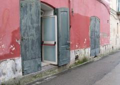 Magazzino in Affitto a Piano Di Sorrento - 80 m²