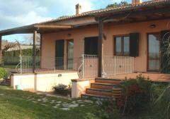 Villa / Villetta in Affitto a Sirolo