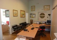 Ufficio in Affitto a Ancona - 130 m²