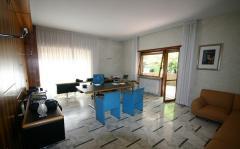 Ufficio in Affitto a Roma - 1350 m²