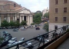 Negozio in Affitto a Roma - 130 m²