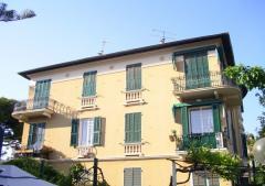Appartamento in Affitto a Bordighera - 130 m²