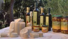 Produzione e fornitura all'ingrosso ed al dettaglio di Olio Biologico d'Oliva e prodotti annessi
