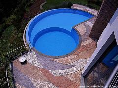 Montaggio di arredamenti per piscine