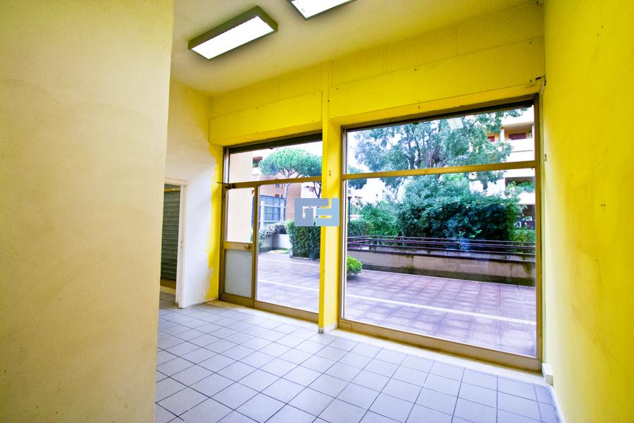 negozio_60_mq_eur_roma_70